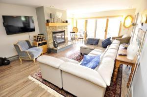 Three-Bedroom Home in Corinthian Hills, Prázdninové domy  Dillon - big - 19