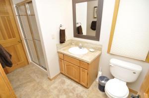 Three-Bedroom Home in Corinthian Hills, Prázdninové domy  Dillon - big - 22