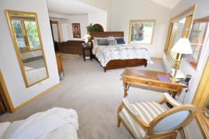 Three-Bedroom Home in Corinthian Hills, Prázdninové domy  Dillon - big - 27