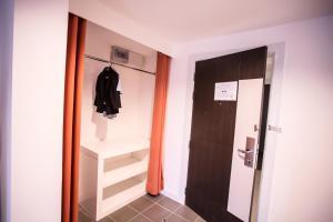 The Original Orange Hotel, Отели  Накхонситхаммарат - big - 19