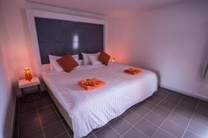 The Original Orange Hotel, Отели  Накхонситхаммарат - big - 30