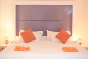 The Original Orange Hotel, Отели  Накхонситхаммарат - big - 7