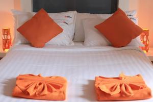 The Original Orange Hotel, Отели  Накхонситхаммарат - big - 33