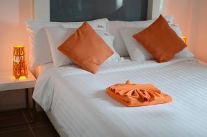 The Original Orange Hotel, Отели  Накхонситхаммарат - big - 22