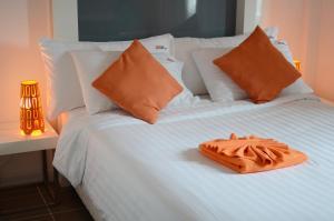 The Original Orange Hotel, Отели  Накхонситхаммарат - big - 11