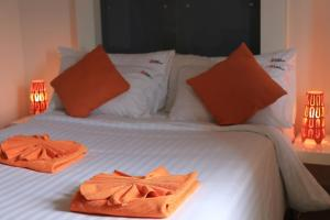 The Original Orange Hotel, Отели  Накхонситхаммарат - big - 3