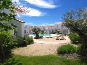 Adriatica Immobiliare - Les Maisons - AbcAlberghi.com