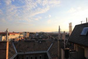 Lovely Duplex Flat, Apartmanok  Budapest - big - 4