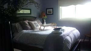 Deluxe Queen Room with Garden Views