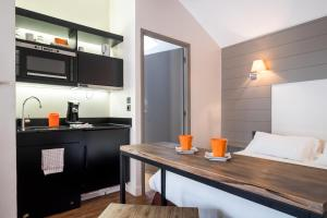 Sweetôme Aparthotel, Apartments  Lille - big - 31