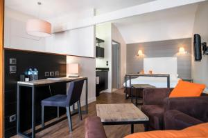 Sweetôme Aparthotel, Apartments  Lille - big - 23