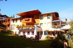Hotel Garni Enrosadira, Hotely  Vigo di Fassa - big - 57