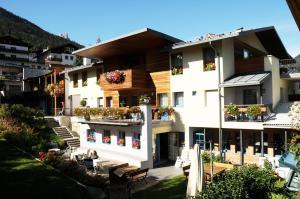 Hotel Garni Enrosadira, Hotely  Vigo di Fassa - big - 56