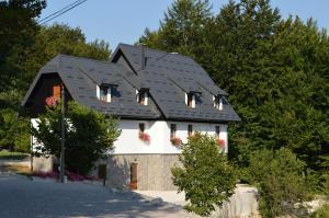 Guest House Plitvice Villa Verde, Penziony  Jezerce - big - 32