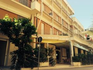 Hotel Lazzarini - AbcAlberghi.com