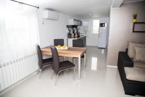 Alma Apartments, Ferienwohnungen  Mamaia Nord – Năvodari - big - 16