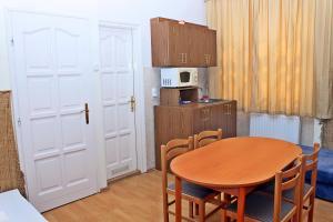 Arika Vendégház, Appartamenti  Gyula - big - 9