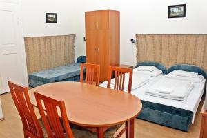 Arika Vendégház, Appartamenti  Gyula - big - 19