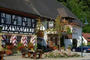Schwarzwaldgasthof Hotel Schlossmühle, Hotels  Glottertal - big - 29