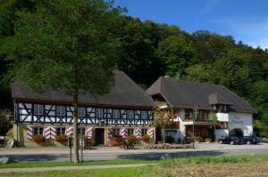 Schwarzwaldgasthof Hotel Schlossmühle, Hotels  Glottertal - big - 1