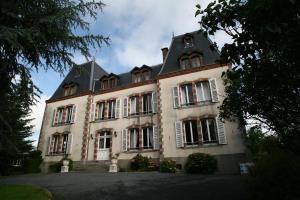 Le Chateau De Montmireil, Ferienhäuser  Canisy - big - 1