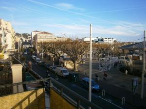 Vintage apartment, Apartmanok  Cannes - big - 27