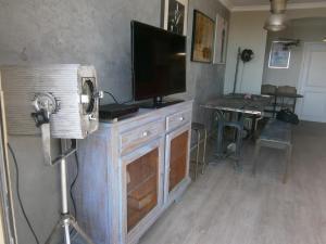 Vintage apartment, Apartmanok  Cannes - big - 37