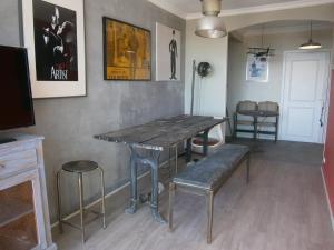 Vintage apartment, Apartmanok  Cannes - big - 41