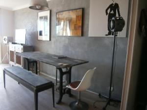 Vintage apartment, Apartmanok  Cannes - big - 42