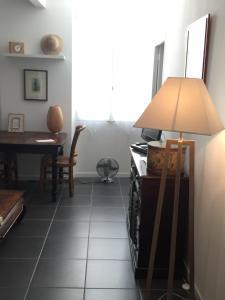 Les Patios du Vieux Port, Апартаменты  Марсель - big - 29