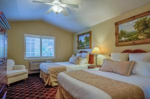 Grass Valley Courtyard Suites
