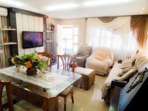 Residencial Familiar De Gramado, Case vacanze  Gramado - big - 13