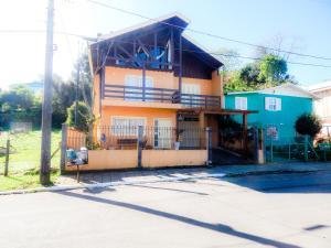 Residencial Familiar De Gramado, Case vacanze  Gramado - big - 35