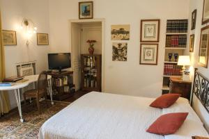B&B Villa Ocsia, Bed and Breakfasts  San Giorgio a Cremano - big - 34