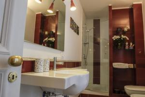 B&B Villa Ocsia, Bed and Breakfasts  San Giorgio a Cremano - big - 29