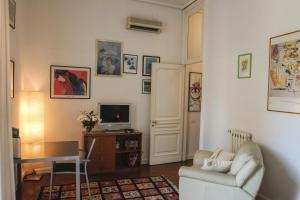 B&B Villa Ocsia, Bed and Breakfasts  San Giorgio a Cremano - big - 13