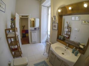 B&B Villa Ocsia, Bed and Breakfasts  San Giorgio a Cremano - big - 11