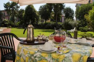 B&B Villa Ocsia, Bed and Breakfasts  San Giorgio a Cremano - big - 58