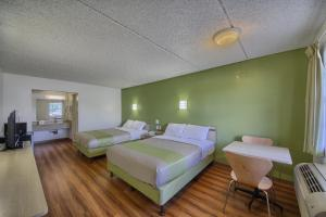 Queen Room with Two Queen Beds - Disability Access