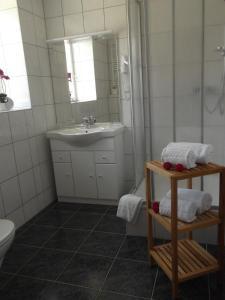 Haus Sonnenschein, Hotels  Monheim - big - 8