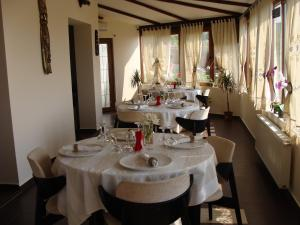 Pensiunea Taverna Bucium, Hotely  Iaşi - big - 28