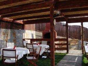 Pensiunea Taverna Bucium, Hotely  Iaşi - big - 40