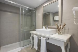 Alcudia Garden Aparthotel, Apartmanhotelek  Port d'Alcudia - big - 31