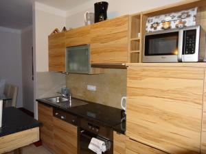 Apartment Willi Salena, Apartmanok  Slatine - big - 12