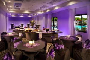 Radisson Hotel Phoenix Airport, Отели  Финикс - big - 25
