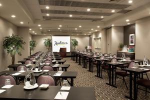 Radisson Hotel Phoenix Airport, Отели  Финикс - big - 14