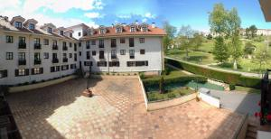 Apartamentos Club Condal, Hotels  Comillas - big - 28