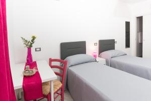 Stanze del Mare, Bed & Breakfasts  Balestrate - big - 16