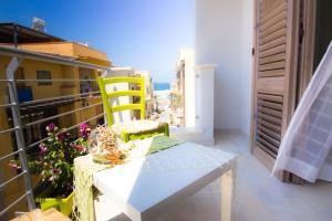 Stanze del Mare, Bed & Breakfasts  Balestrate - big - 13