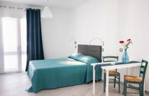 Stanze del Mare, Bed & Breakfasts  Balestrate - big - 9